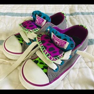 Low top Converse size 5